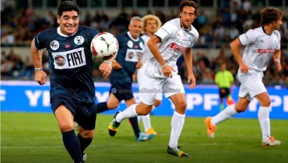 Maradona en el partido por la Paz versión