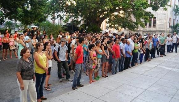 El estudiantado exigió el regreso inmediato a la Patria de Gerardo, Ramón y Antonio; así mismo manifestó su solidaridad con el pueblo palestino.