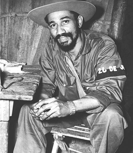 Comandante Juan Almeida Bosque en la Sierra Maestra. Foto: Archisvos históricos.