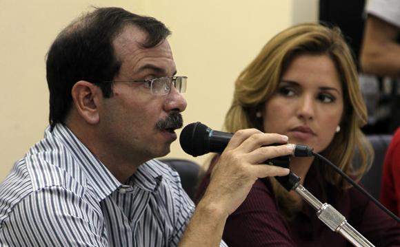 Fernando González, Héroe de la Repúplica de Cuba y Cristina Escobar, periodista cubana. Foto: Ladyrene Pérez/ Cubadebate.
