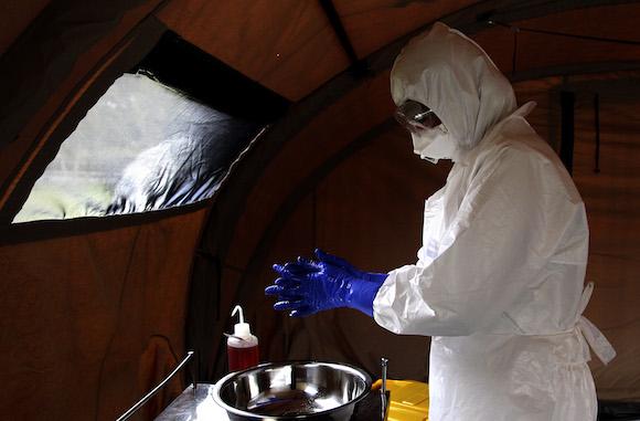 La brigada médica cubana está formada por 60 médicos y 105 enfermeros e integran la fuerza con la cual la Organización Mundial de la Salud (OMS) aspira a combatir el brote del Ébola. Foto: Ladyrene Pérez/ Cubadebate.