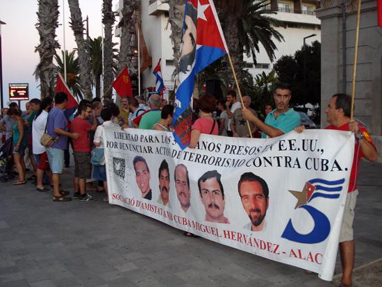 Demostración por los cinco en Alicante, España. Foto: Cubainformación