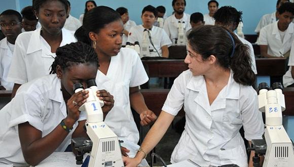 En el presente período lectivo ingresaron más de 11 mil estudiantes del primer año de la carrera de Medicina.