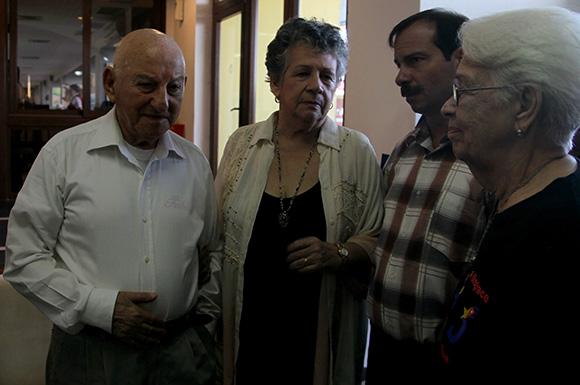 Giustino Di Celmo, padre de Fabio; Acela Caner, profesora e investigadora cubana; Fernando González, Héroe de la República de Cuba y Mirtha Rodríguez, madre de Antonio Guerrero. Foto: Ladyrene Pérez/ Cubadebate.