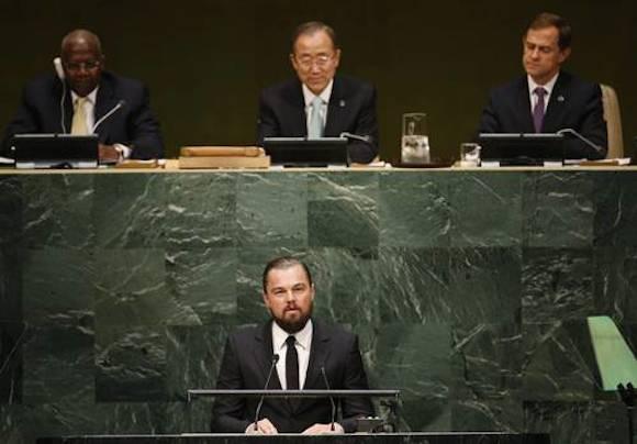 El actor estadunidense Leonardo DiCaprio durante su discurso sobre la urgencia de revertir el calentamiento global, ante la Organización de Naciones Unidas, donde fue nombrado mensajero de paz para asuntos de cambio climático. Foto: Reuters