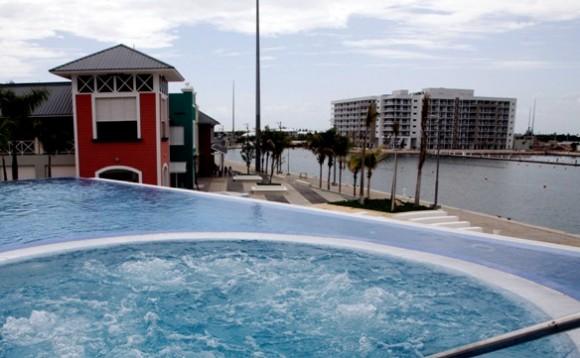 """Spa del hotel Meliá Marina Varadero con vista a """"Plaza Las Morlas"""". Foto: Ismael Francisco / Cubadebate"""