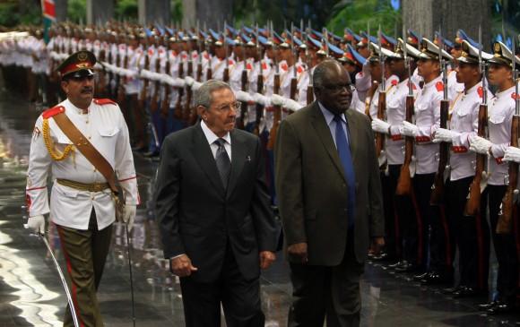Raúl Castro, presidente de la República de Cuba y Hifikepunye Pohamba, presidente de la República de Namibia. Foto: Ismael Francisco/ Cubadebate.