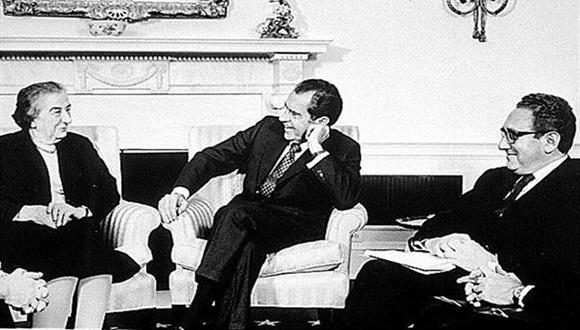 Richard Nixon y Golda Meir trazaron una estrategia de silencio que lleva casi medio siglo en vigor. Foto: Público.