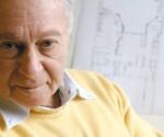 """Creador de la especialidad """"Arquitectos de Familia"""", un sistema de diseño participativo que ha recibido dos premios internacionales (""""Best Practices"""", Estambul 1996 y """"World Habitat Awards"""", Bruselas 2002).  Durante la década de 1990 supervisa la aplicación del programa Arquitectos de la Comunidad en Cuba."""