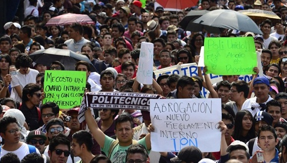 MEXICO-STUDENTS-MARCH