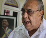 02 firma del libro de condolencias (embajador de Nicaragua en Cuba)