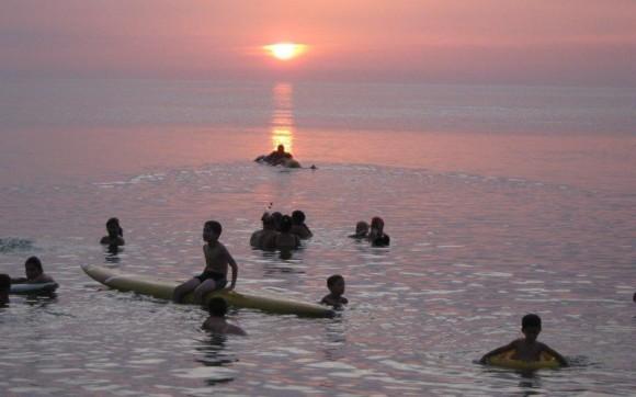 Atardecer en Playa Baracoa. Foto: Pepe / Cubadebate