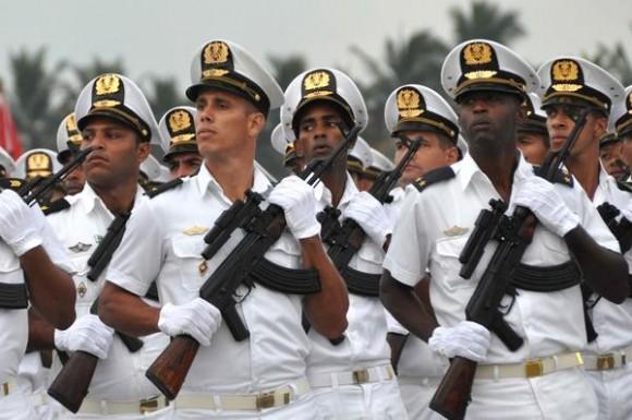 Preside Raúl Castro ceremonia conmemorativa por aniversario 55 de Academia Naval Granma