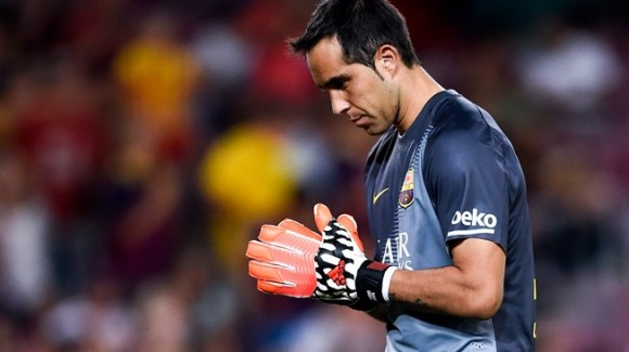 Claudio Bravo, portero del Barcelona, tiene aun su valla imbatible en la Liga Española.