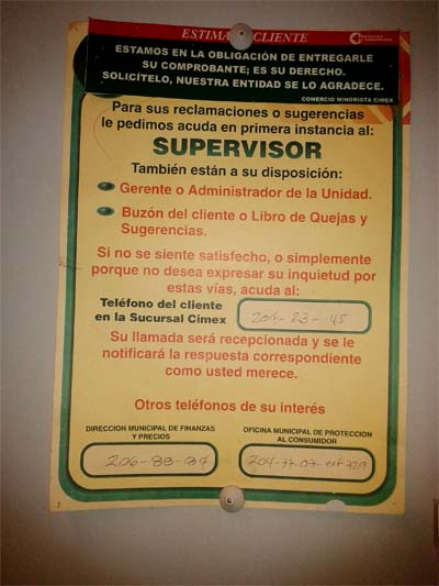 Pegatina ubicada en los cajeros de Cimex para orientar sobre la protección al consumidor.