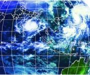 Imagen de satélite en que se muestra a HUDHUD penetrando en la India, donde hasta el momento ha ocasionado 2 muertos y gran destrucción. También se observa a VONGFONG sobre el archipiélago japonés (derecha superior en la imagen).