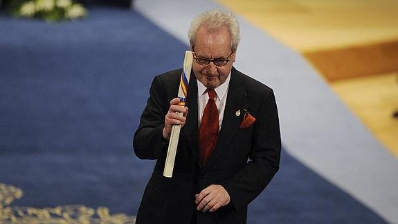 Jhon Baville recibe el Premio Príncipe de Asturias de las Letras 2014.