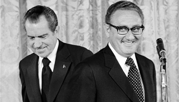 Henry Kissinger (derecha) junto a Richard Nixon, presidente de Estados Unidos entre 1969 y 1974. Foto: Getty Images.