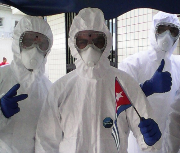Cuban Doctors Fighting Ebola in Africa Pleased for Having Healed Liberian Patients