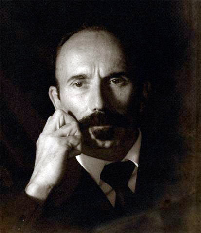 Martí caracterizado por Rober Albellar.