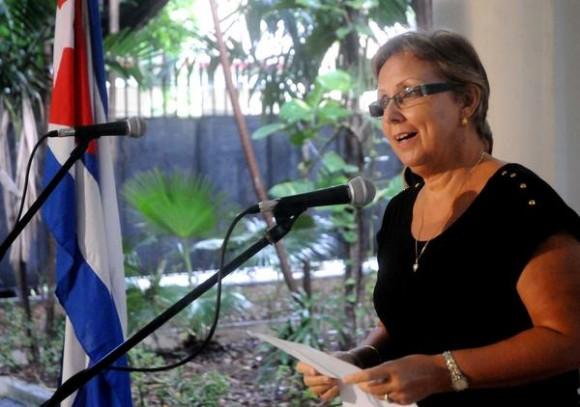 Intervención de María Eugenia Guerrero (Maruchi),  hermana de Tony, durante el acto de entrega de la Medalla de la Amistad a Alicia Jrapko y William (Bill) Hackwell,  del Comité de Solidaridad con Los Cinco, realizado en la sede del Instituto Cubano de Amistad con los Pueblos (ICAP), en La Habana, Cuba,  el 2 de octubre de 2014 .   AIN FOTO/Oriol de la Cruz ATENCIO / Cubadebate