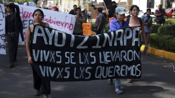 Convocan a manifestación en el Zócalo para demandar justicia por el caso Iguala
