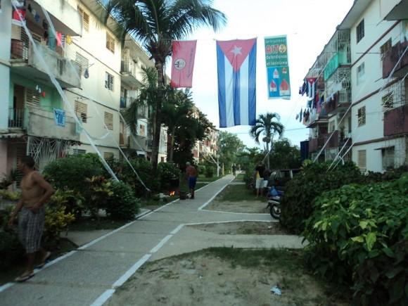 Mi CDR esperando el 28. Reparto Hermanos Cruz, Pinar del Río.  Foto: Eddy E. del Valle Hernández / Cubadebate