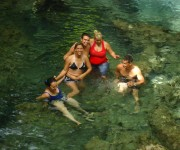 Refrescando. Foto: Adys / Cubadebate
