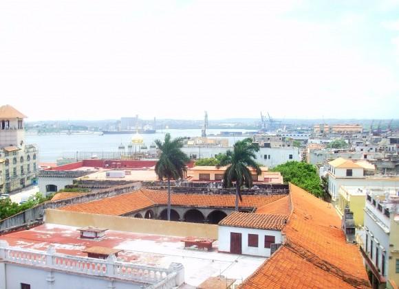 Vista de la Bahía desde la torre del Convento de San Francisco de Asís. Foto: Liliana Carreras Flores/Cubadebate.