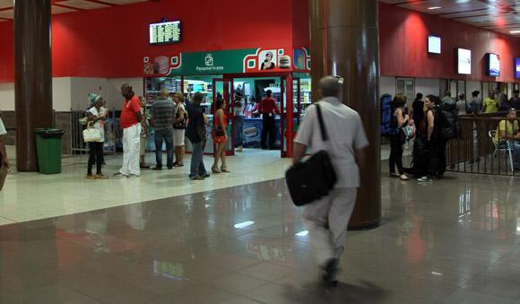 Reapertura de Salón de espera de pasajeros de la Terminal Aérea 3 del Aeropuerto José Martí. Foto: Ismael Francisco/Cubadebate.
