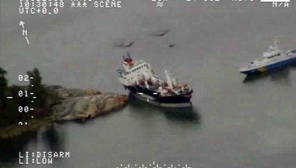 buque derrame de petroleo en suecia