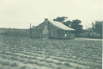 Casucha donde vivían el americano negro del carretón, su nieto y familia.