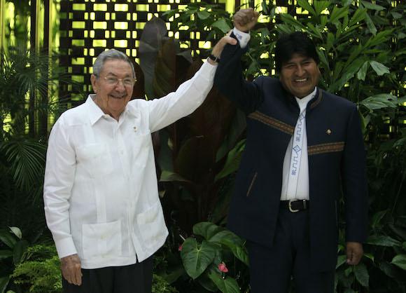Sostuvo Raúl encuentro con Evo Morales