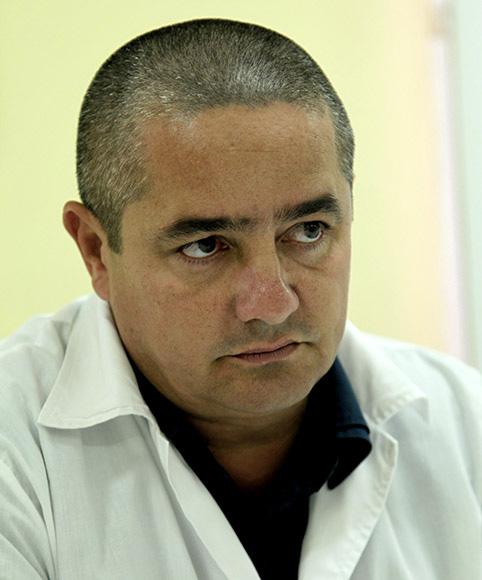 Ronald Hernández Torres (Las Tunas). Especialista en Medicina General Integral. Cumplió misiones en Honduras (2005-2007) y Venezuela (2009-2013). Foto: Ismael Francisco/Cubadebate.