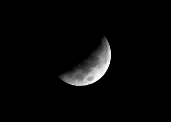 Eclipse de Luna (5:45 am) visto desde la Habana, Cuba. Foto: Ismael Francisco/Cubadebate
