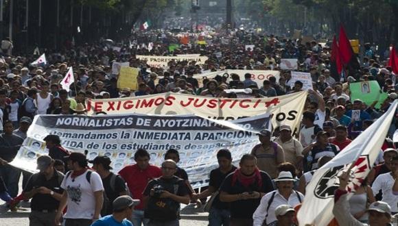 Marcha por los estudiantes desaparecidos. Foto: Archivo de Cubadebate
