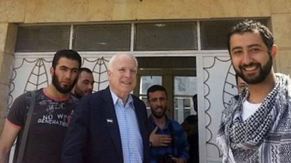 McCain se había reunido con el EIIL en mayo de 2013.