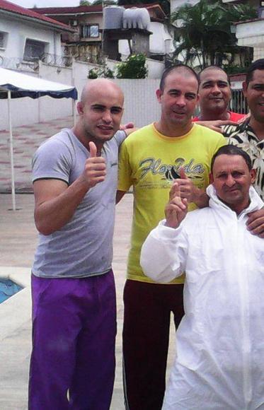 medicos-cubanos-ebola3