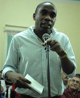 Yosley Carrero, periodista del Sistema Informativo de la TV cubana y miembro del Comité Nacional de la UPEC.