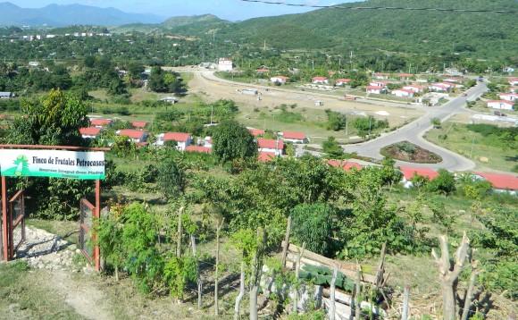 En el reparto Abel Santamaría conocido como Alturas de micro se construyen 250 Petrocasas, módulos de viviendas donados por Venezuela y Ecuador. Foto Susana Tesoro/ Cubadebate.