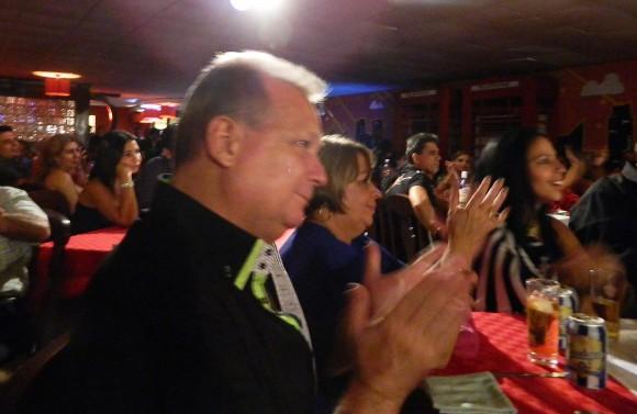 En las noches de Santiago se respira un ambiente, sano, familiar. Foto: Susana Tesoro/ Cubadebate.
