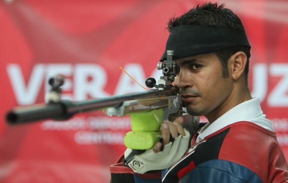 Reynier Estopiñan Oro en Rifle tres posiciones. Foto:Ismael Francisco/Cubadebate