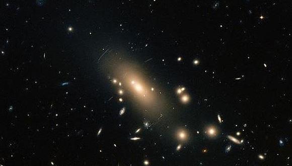 Galaxia superpoblada