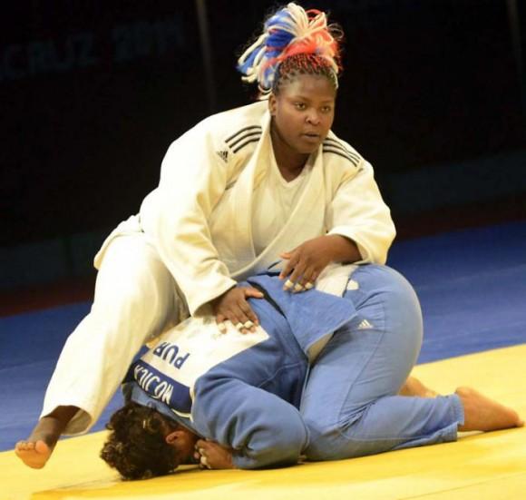 Idalis Ortiz sumó el título centrocaribeño a su brillante palmarés. Los judocas cubanos cosecharon 13 medallas de Oro. Foto: Ricardo López Hevia / Granma / Cubadebate