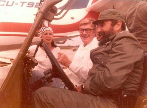 Fidel Castro y J Paul Austin, en La Habana.