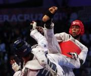 Medalla de Oro para el cubano Jose Angel Cobas en los 74 kg del Taekwondo. Foto: Ismael Francisco/Cubadebate-