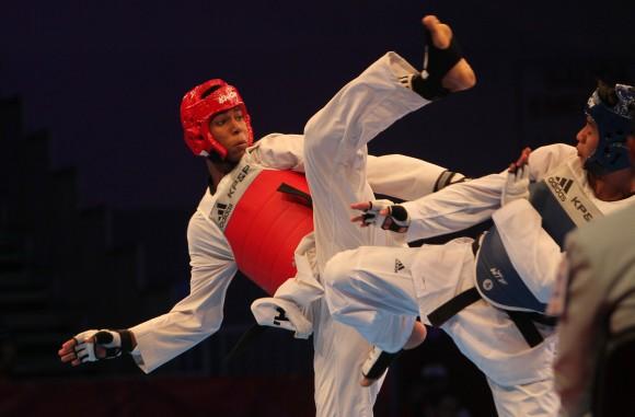 José Ángel Cobas gana un oro espectacular para Cuba en Taekwondo