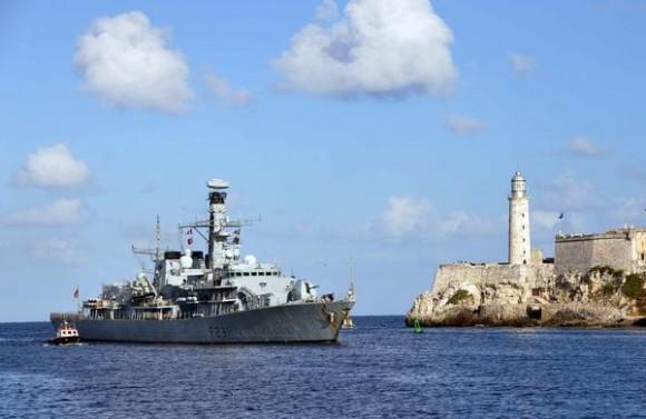 La fragata HMS ARGYLL de la Marina Real del Reino Unido, arribo a La Habana, en horas de la mañana del 31 de noviembre de 2014. AIN FOTO/Marcelino VAZQUEZ HERNANDEZ/