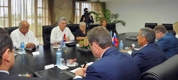 Miguel Díaz-Canel con presidente de Tatarstán 2