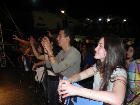 Muchos seguidores de Tesis de Menta y No te va gustar, asistieron al concierto. Foto. Marianela Dufflar.
